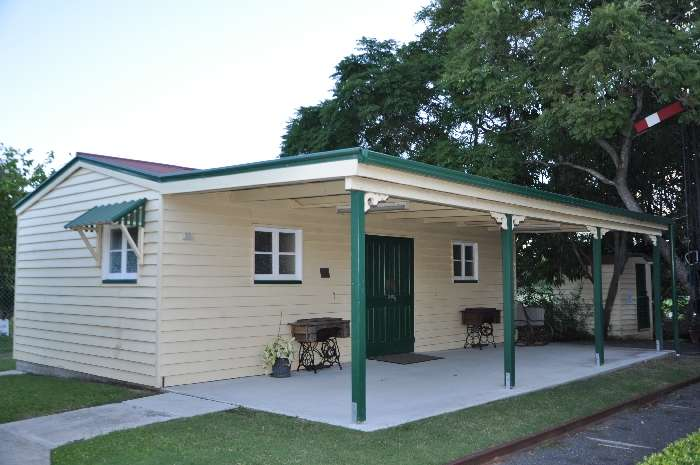 Iris Beckman Cottage.JPG